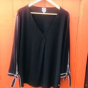 Long sleeve black with white lining sleeve